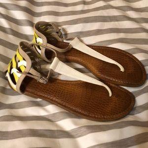 Super Cute Gianni Bini Sandals size 9